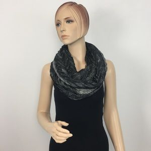 Collection Eighten Infinity Paisley Shine Scarf